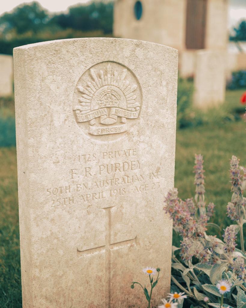 La tombe d'un soldat australien, Villers-Bretonneux